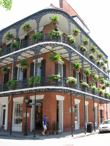new-orleans-balcony1