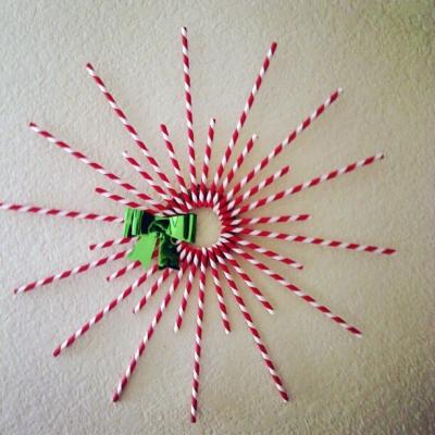 diy straw wreath