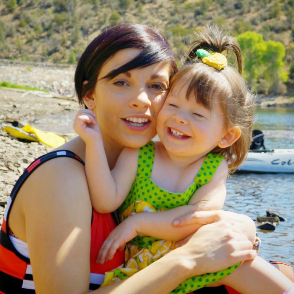 reina-and-ally-at-lake