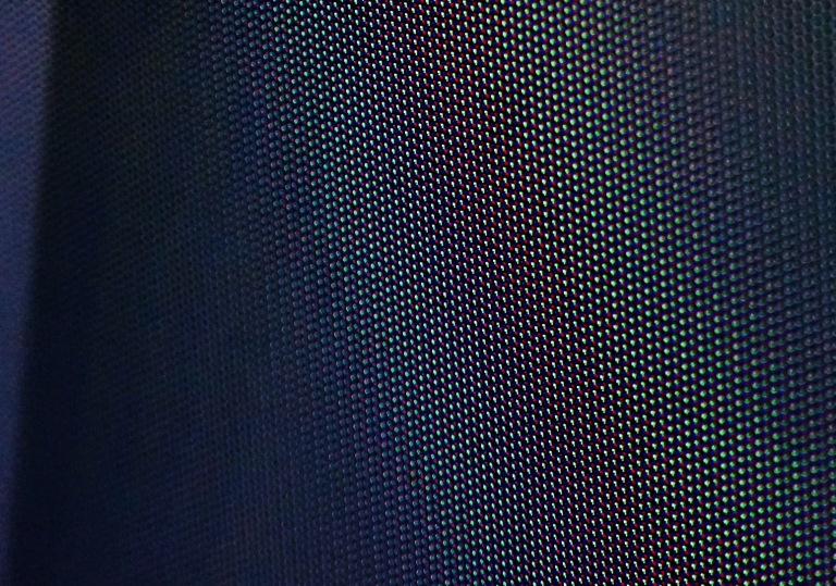 tv-closeup-pixels